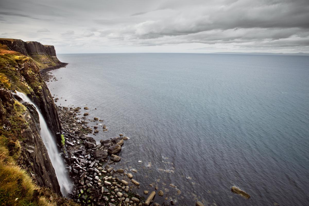 Kilt rock et sa cascade, île de Skye, Écosse