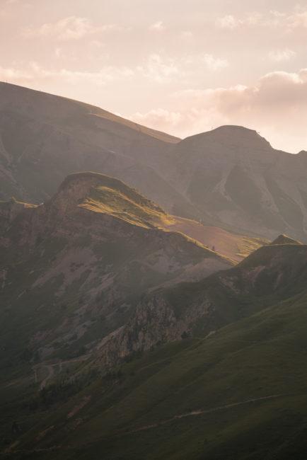 Derniers rayons sur les montagnes