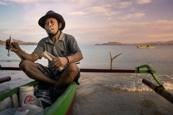 pêcheur de seiches à Sulawesi