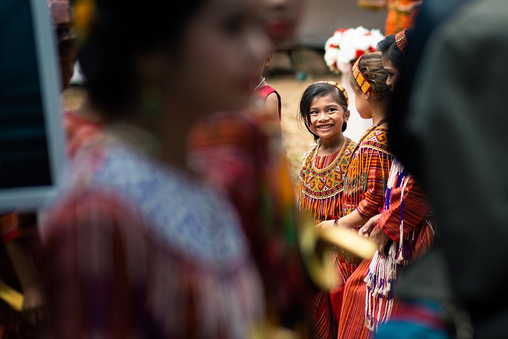 les enfants pendant un mariage en Tana Toraja